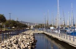 在停泊处的游艇 免版税库存图片