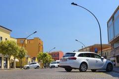 在停车处的汽车在阿德里亚 库存照片