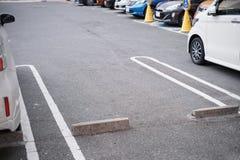 在停车处的空的空间 免版税图库摄影