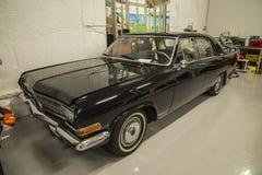 在停车库, 1965年opel kaptein的汽车 免版税图库摄影