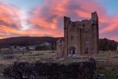在偶象Lithgow铁器鼓风炉的日出在 免版税图库摄影
