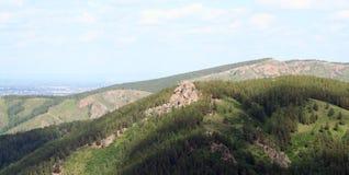 在储备克拉斯诺亚尔斯克柱子的山Ermak 库存图片