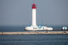 在傲德萨海湾的灯塔  免版税库存图片