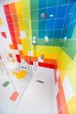 在儿童` s旅馆客房淋浴客舱在一家五星旅馆里在Kranevo,保加利亚 库存图片