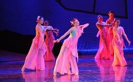 在充分的绽放这舞蹈戏曲的桃子开花神鹰英雄的传奇 库存照片