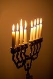 在光明节menorah的蜡烛 免版税图库摄影