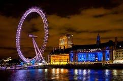 在光的伦敦眼睛 库存图片