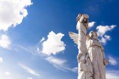 在光的天使 免版税库存图片