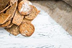 在光wo的开胃甜自创古典意大利薄脆饼干 免版税库存照片
