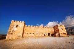 10 09 2016 - 在克利特海岛上的古老威尼斯式堡垒Frangokastello 免版税库存图片