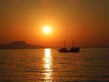 在克利特海岛上的日落 免版税库存照片