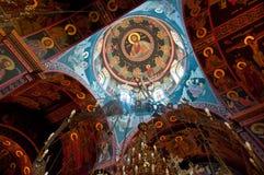 在克利特海岛,希腊上的伊拉克利翁覆以圆顶Panagia Kalyviani修道院的绘画  免版税库存照片