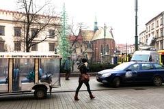 在克拉科夫街道上的圣诞节  免版税库存照片