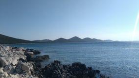 在克罗地亚海岛上的海湾 免版税库存照片