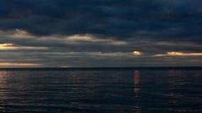 在克罗地亚海岸欧洲的日落 股票录像