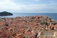 在克罗地亚,欧洲打开杜布罗夫尼克市看法  库存照片