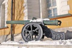 在克里姆林宫显示的老大炮 免版税库存图片