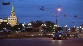 在克里姆林宫附近的交通 股票录像