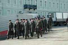 在克里姆林宫,莫斯科,俄罗斯的红色卫兵 图库摄影