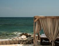 在克里特岛海滩的温泉治疗 免版税库存图片