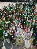 在党以后的空的瓶 免版税库存照片