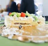 在党的被切的蛋糕 库存照片