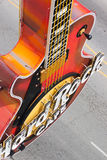 在入口的吉他。硬石餐厅 免版税图库摄影