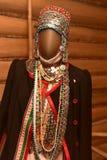 在全国楚瓦什人服装的时装模特 免版税库存照片