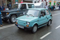 在全国美国独立日的Polski菲亚特126p汽车在格但斯克在波兰 庆祝第99 anniver 免版税图库摄影