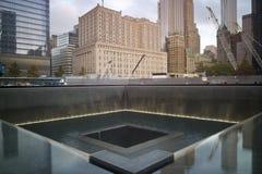 在全国9月11日纪念品的反射水池 库存照片