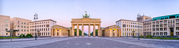 在全景的勃兰登堡门,柏林,德国 免版税库存照片