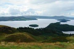 在全景的Loch Lomond 免版税库存照片