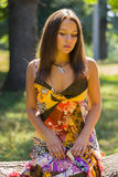 在公园中的美丽的女孩 库存图片