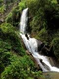 在公园别墅Gregoriana的瀑布 意大利tivoli 免版税库存照片
