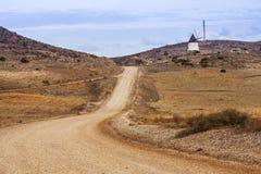 在公园工厂西班牙语附近的龙舌兰阿尔梅里雅安大路西亚cabo de desert gata横向山自然本质 免版税库存照片