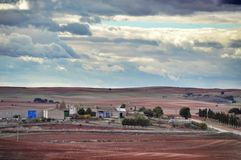 在公园工厂西班牙语附近的龙舌兰阿尔梅里雅安大路西亚cabo de desert gata横向山自然本质 库存图片