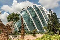 在公园滨海湾公园开花圆顶大厦在新加坡 免版税库存照片