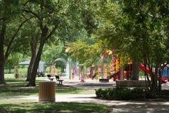 在公园的飞溅垫 免版税库存图片