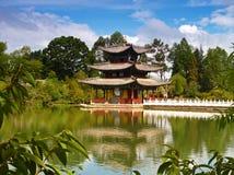 在公园风景附近的lijiang 免版税库存照片