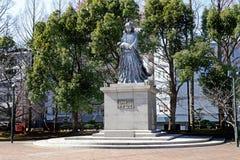 在公园,长崎原子弹受害者的和平公园的雕象 爆心投影炸弹被空投了1945年的地方8月9日 免版税库存照片