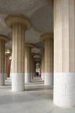 在公园guell,巴塞罗那,西班牙的美好的专栏结构 库存照片