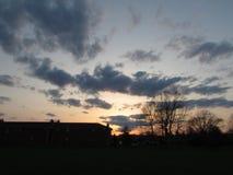 在公寓住宅区的黄昏在塞尔维尔, NJ美国 库存照片