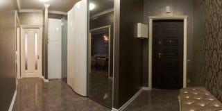 在公寓的走廊 免版税库存照片