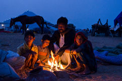 在公平普斯赫卡尔的骆驼,拉贾斯坦,印度的一个游牧人家庭 免版税图库摄影