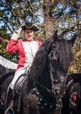 在公平矮子的幻想期间的英国骑兵御马者 免版税库存照片