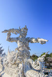 在公开白色寺庙里面的雕象 免版税库存照片