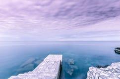 在公海的日落 免版税库存图片