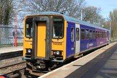 在兰卡斯特驻地的唯一汽车dmu火车。 免版税图库摄影