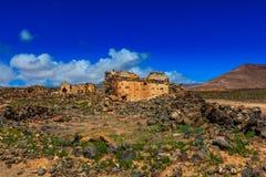 在兰萨罗特岛中间位于的古老废墟 库存图片