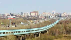 在共同桥梁和地铁桥梁的交通 影视素材